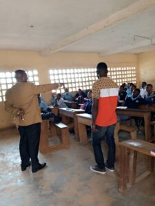 Homarou Faisal, cautioning students of Amasia on good practices