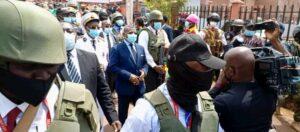 Heavily guarded Prime Minister in Bamenda